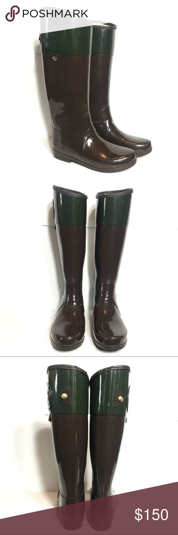 "Hunter Regent Carlyle Tall Riding Rain Boots US 8 Hunter Regent Carlyle Green Brown Tall Rubber Riding Rain Wellies Boot SZ US 8  *Great Used Condition! Some scuffs and label wearing/blue denim staining on inside. Please see pictures.  Measurements: 1.5"" Heel Height 17"" Shaft Height (at highest point) Hunter Boots Shoes Winter & Rain Boots"
