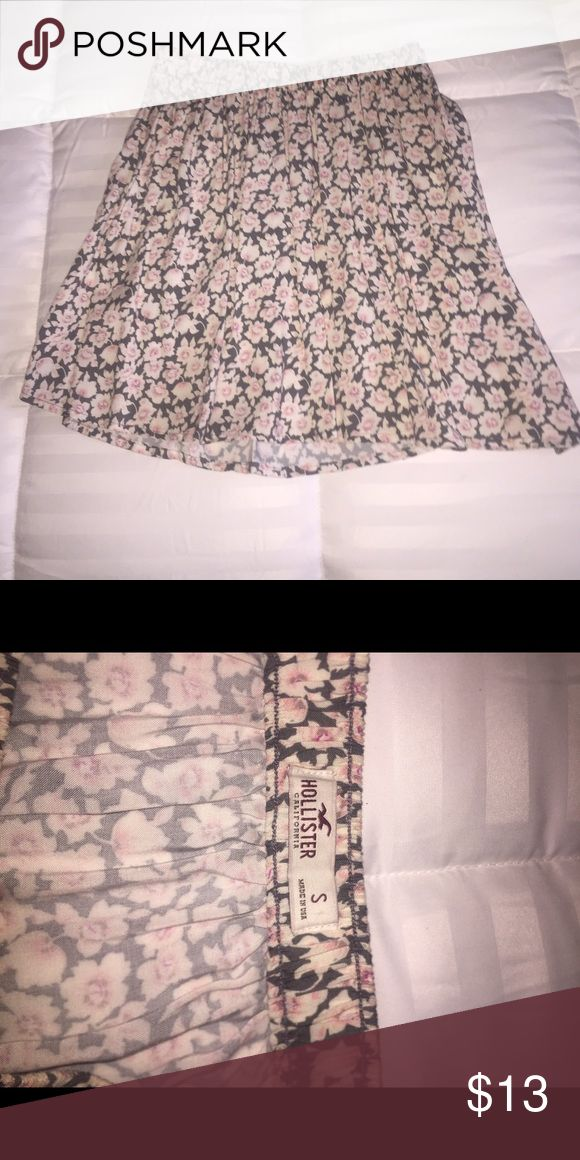 Pink and Grey Flower Hollister Skirt🌸🌑 Great/New Condition Hollister Skirts Circle & Skater