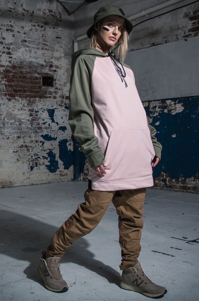 MOO LAB THE BRIXTON UNISEX TALL HOODIE - DUSTY PINK & SAGE  The Brixton Tall Hoodie is part of our Core Series. Featuring the following: - 5K DWR Coated Bonded Fleece to keep you warm & dry. - Zipped pocket with auto lock zip to keep your valuable safe while riding. - Inner sleeve cuff with thumb holes to keep your gloves in place. - Elastic hem band at back with heat embossed branding to enable freedom of movement. - 3 Piece hood to fit over helmet.