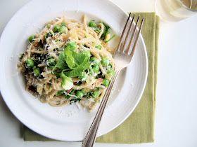 Pasta Alla Carbonara: peas, ricotta, Parmesan, pea shoots, bacon, onion *