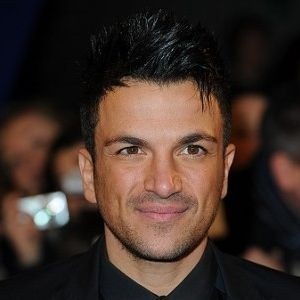 Peter Andre soaks up son with new squeeze