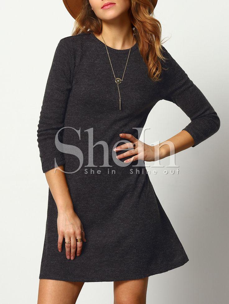 Тёмно-серое платье-свитер в стиле кэжуал
