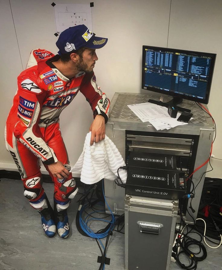 No such thing as over-analysing in this game🏁 // @andreadovizioso #BritishGP #MotoGP #Data #LapTimes #Analysis  Repost by @motogp