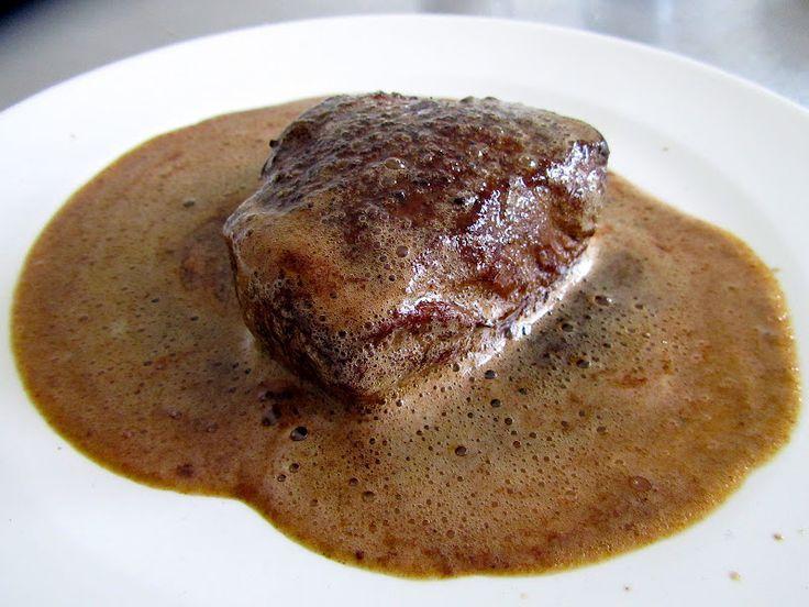 Dit is eigenlijk geen recept, maar meer een les. Ik ben al zo lang fan De biefstuk van Loetje, zo lekke...