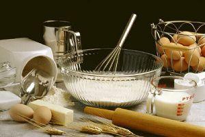Použite kokos<br>Mnohé koláče alebo torty nemôžeme upiecť bez dôkladne vymastenej a vysypanej formy....