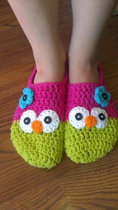 My sister LOVES owls. I sewed her an owl apron for Christmas and when she told me she was looking for a new pair of slippers, I decided to...