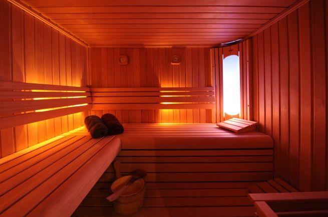 B-Relaxed te Hasselt biedt u een luxueus Wellnesscenter. Ideaal voor de romantische genieters of voor een relaxatie met het hele gezin! Hier kom je weer volledig tot rust. Bekijk alle details op http://www.relaxy.be/prive-sauna/hasselt/239-brelaxed/ - Sauna - Privé sauna - B-relaxed - Relaxy.be
