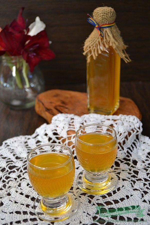 Lichior de Caise - Caisata, reteta.Cum se prepara caisata, licior de caise.Ingrediente lichior de caise-caisata.Caisata pregatita in casa.Bauturi cu fructe.