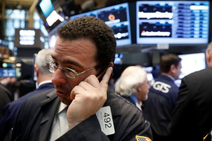 Stock futures flat as investors assess Fed minutes