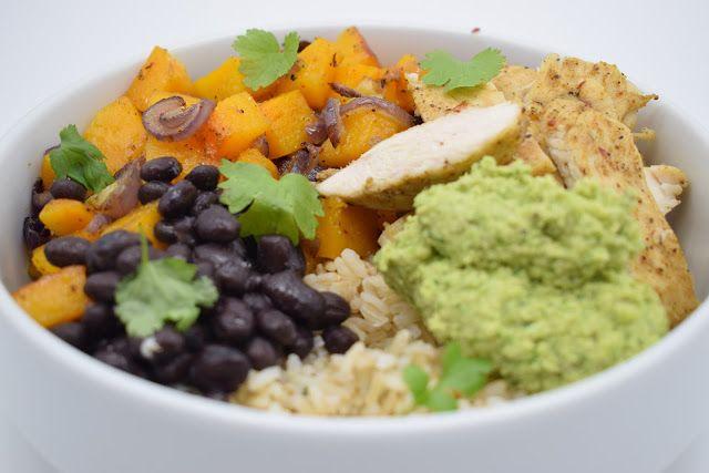 Dominique's kitchen: Gegrilde kip, butternut, guacamole en rijst - Roas...  GEGRILDE KIP, BUTTERNUT,GUACAMOLE EN RIJST ROASTED CHICKEN, BUTTERNUT SQUASH AND GUACAMOLE RICE BOWL  Nieuwsgierig naar het recept? Klik op onderstaande foto. Curious for the recipe? Click on the picture below.  #avocado, #beans, #bonen, #butternut, #chicken, #cilantro, #citroen, #cumin, #garlic, #kip, #knoflook, #komijn, #koriander, #lemon, #onion, #rice, #rijst, #shallot, #sjalot, #ui,
