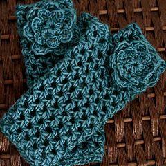 Christina Crochet Passion: Crochet Fingerless Gloves free pattern