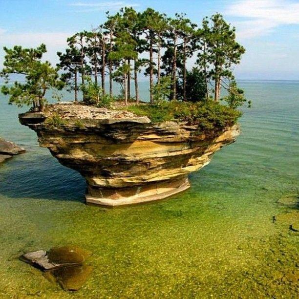 Turnip Rock in Port Austin, Michigan. Photo by Lars Jensen.