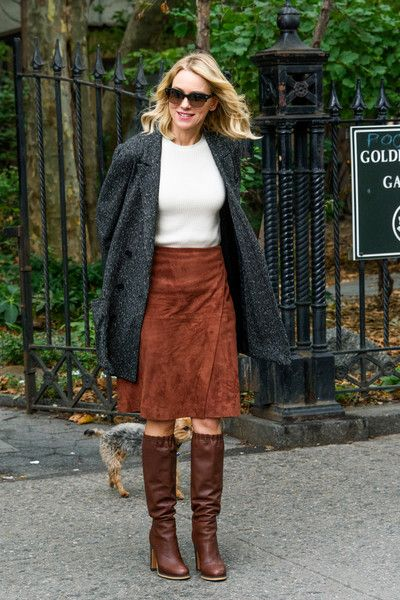 Naomi Watts Knee High Boots - Naomi Watts pulled her cozy look together with brown knee-high boots.