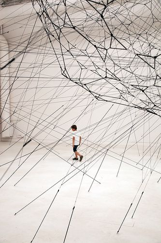 Tomas Saraceno.--- So cool (Arrows)