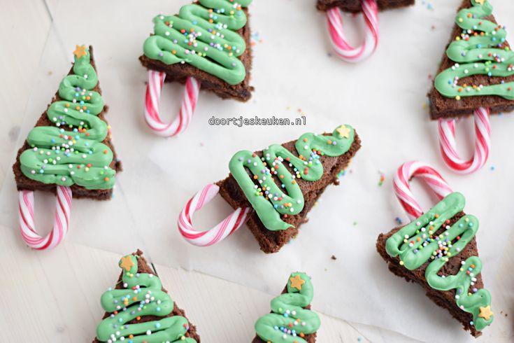 Maak met dit recept deze superleuke kerstboom brownies voor deze kerst. Ze zijn super lekker, lekker fudgy, knapperig en natuurlijk enorm schattig!