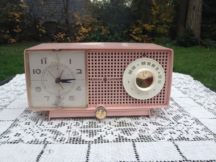 1960 S Pink Clock Radio General Electric Am Tube Radio