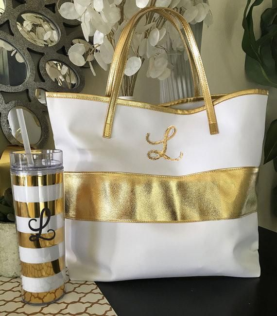 This gold and white tote is a perfect bridesmaid 'thank you' gift! | 24 Bridesmaid Gifts Your Girls Will Love | Kennedy Blue