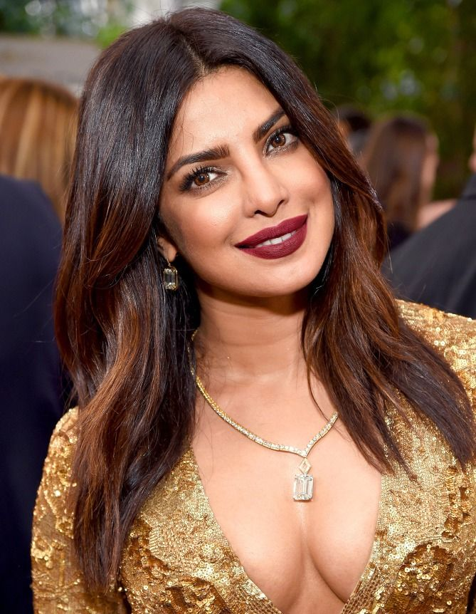 The Best Golden Globes Beauty Looks - Priyanka Chopra's shiny hair and berry lipstick
