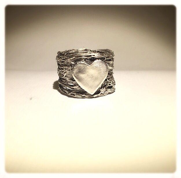 Cuore. #cuore #heart #anello #ring #silverclay #handmade