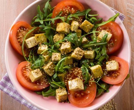 Insalata di tofu al sesamo