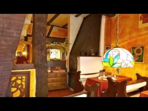 Gästehaus am Schlossberg - Bernkastel-Kues - Visit http://germanhotelstv.com/gastehaus-am-schlossberg This family-run guest house offers charming accommodation in the heart of the Medieval town of Bernkastel-Kues just a 10-minute walk from the Burg Landshut castle ruins. -http://youtu.be/_Joipkj8ToI