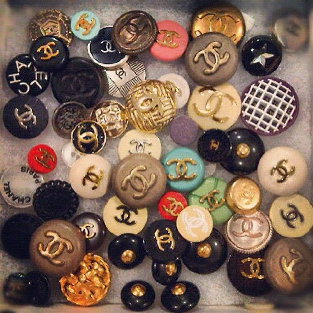 Vintage Chanel buttons ᘡղbᘠ