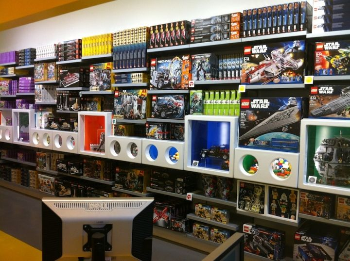 37 best Toy Store Interior Designs images on Pinterest | Retail ...
