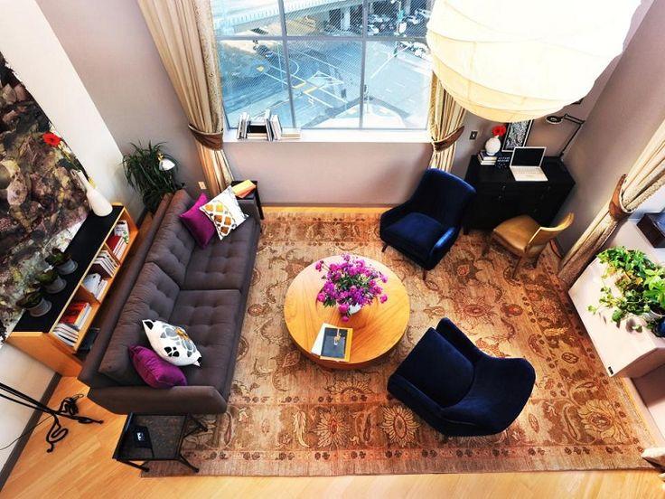 salon pequeno moderno sofa grande mesa madera redonda ideas