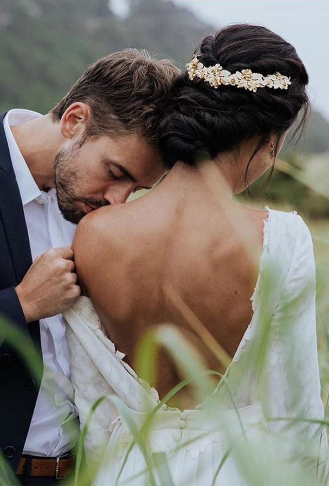 48 Most Inventive Marriage ceremony Kiss Images