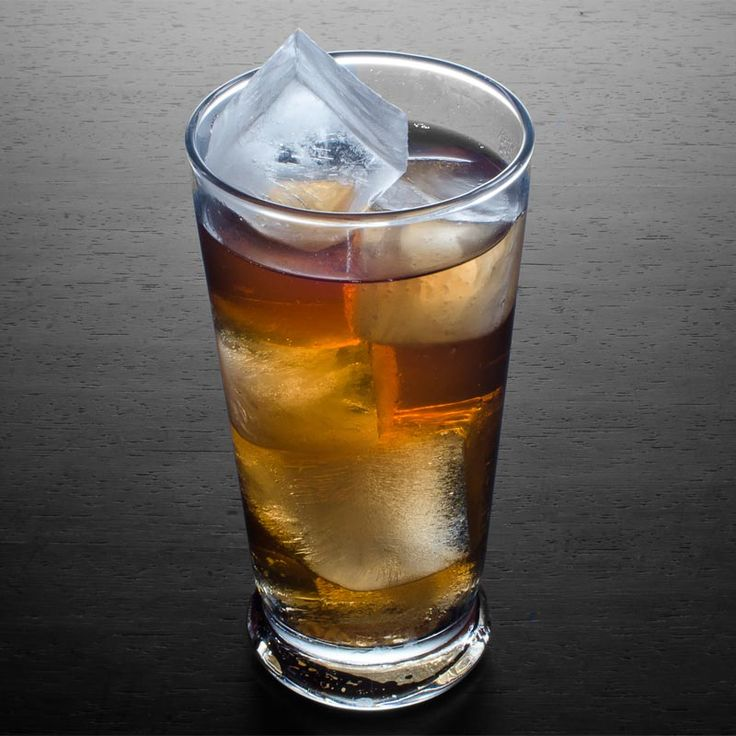 Whiskey cocktail for the summer // Presbyterian: 2 oz Scotch (may substitute bourbon or rye whiskey), Ginger ale, Club soda // How to make the Presbyterian Cocktail: Add the Scotch to a Collins glass and fill with ice. Fill with equal amounts of ginger ale and soda.