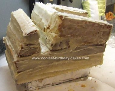 Google Image Result for http://coolest-birthday-cakes.shippony.com/images/c2/c2-vehicles/dump-truck-cake-07a.jpg