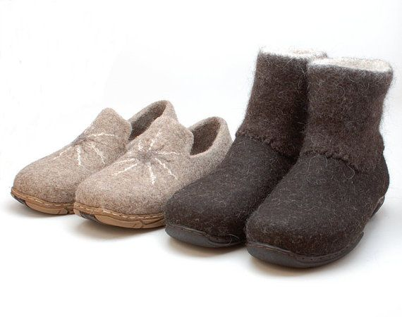 Handmade Winter Mens boots in brown shoes for men by WoolenClogs
