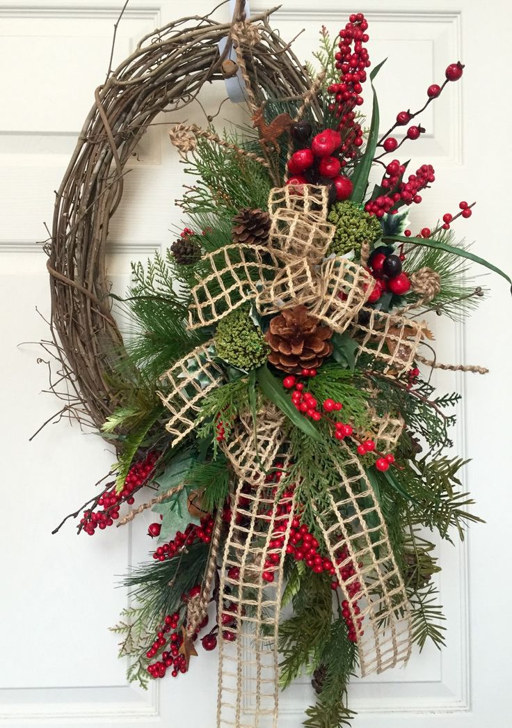 Christmas Or Winter Oval Grapevine Wreath Grapevine