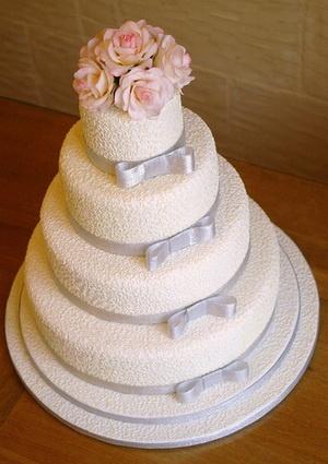 silver wedding cakeWesterns Wedding, Wedding Receptions, Wedding Cakes, Red Rose, Receptions Ideas, Pink Rose, Silver Wedding, Flower, Elegant Wedding