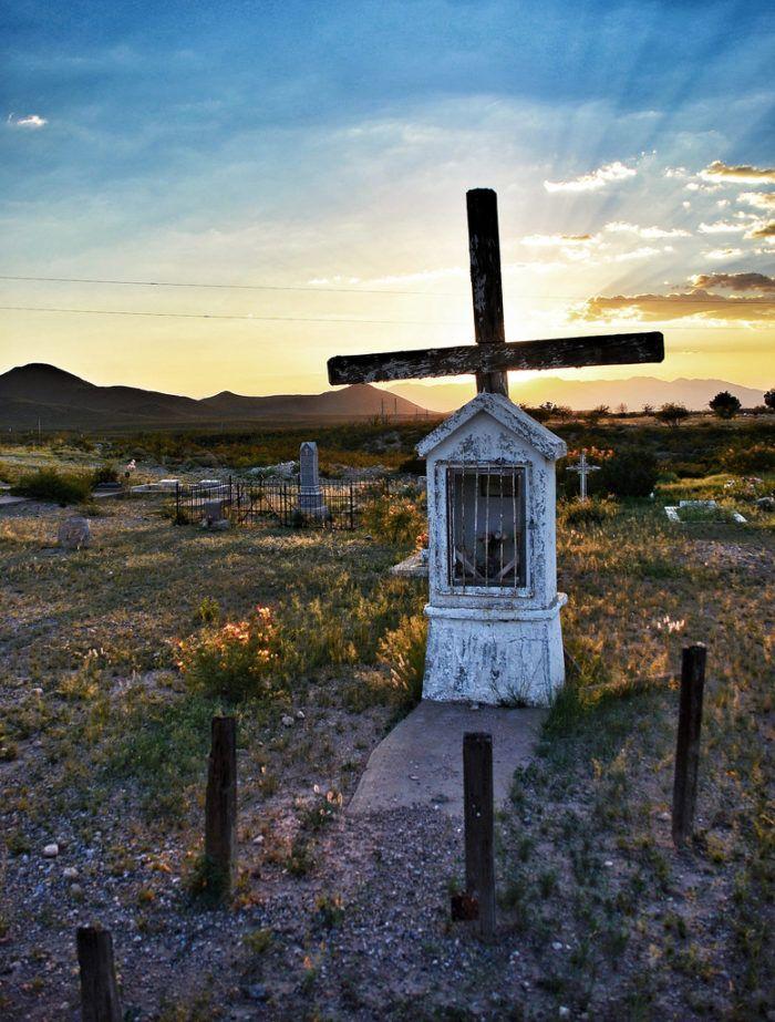 10 Disturbing Cemeteries In Arizona That Will Give You Goosebumps