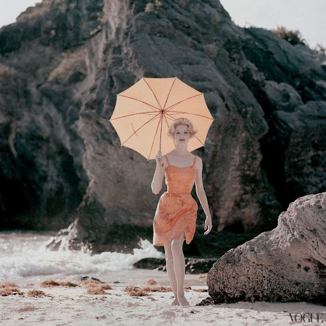 Jerry Shatzberg, Vogue, 1959: Beaches Shoots, Vintage Fashion, Vintage Wardrobe, Vintage Summer, Vogue 1959, Vintage Beaches, Jerry Treasure Mountain, Vintage Vogue, January 1959