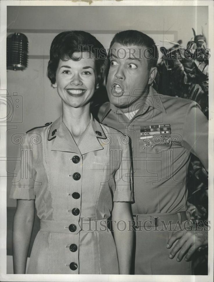 gomer pyle show drawimgs   ... Actress Yvonne Lime Actor Frank Sutton TV Show Gomer Pyle USMC   eBay