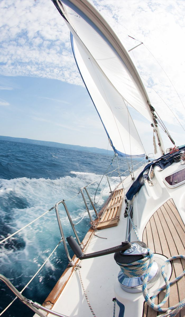 I love this as I love sailing. Though I don't get much of an opportunity to do so nowadays. I find there is something very clean and cleansing about sailing on a day like the one in the picture.
