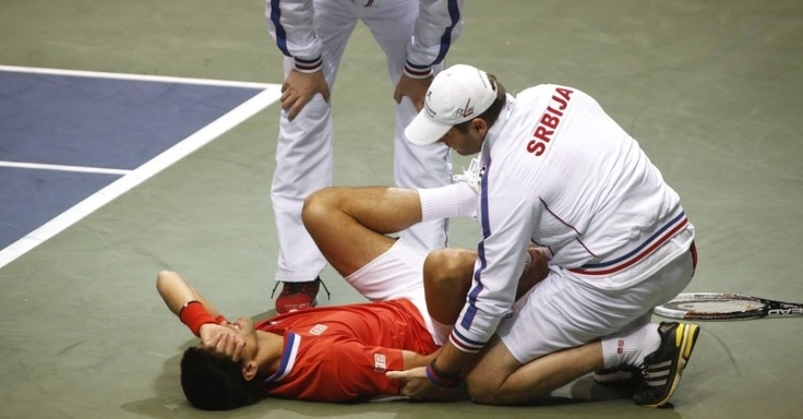 Após dores na Davis, Djokovic diz que lesão no tornozelo não é grave - EFE - UOL Esporte