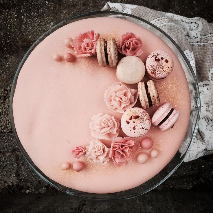 We all love cake. They're not just a treat for the mouth but also for the eyes. In fact, we love cake because they are really good to look at. We've scoured Instagram to find the most beautiful cakes you've ever seen. They are a wonderful inspiration for your next cake creation.