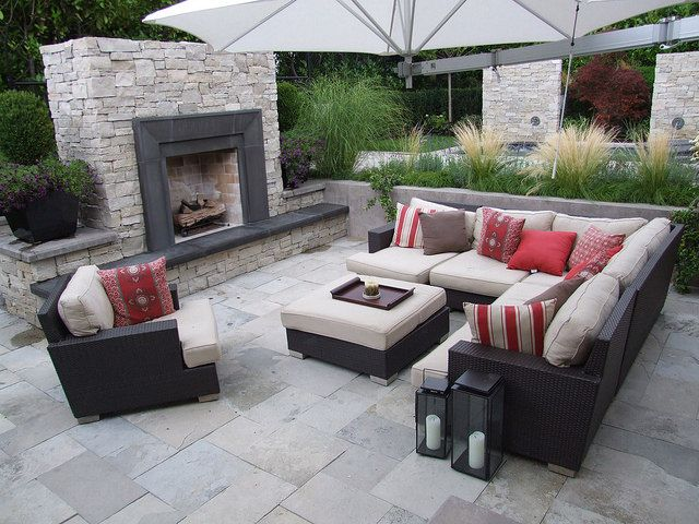 Fond du Lac NTV Country Squire with Aberdeen Natural Cleft Pavers