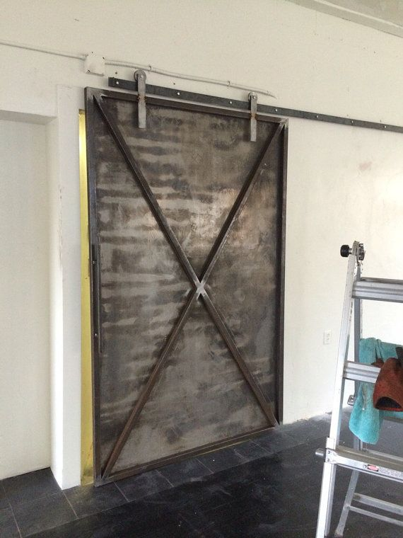 Ru n pr ce industrial metal posuvn dvere stodoly br ny for Metal barn doors
