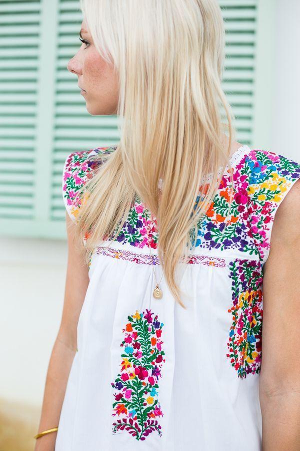 Las mejores blusas con bordados mexicanos 1