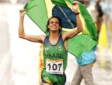 O mineiro Franck Caldeira  conseguiu neste domingo o índice exigido para a maratona dos Olímpiadas Londres 2012 na prova de Milão, na Itália.