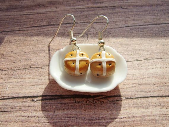 Hot Cross Buns Dangle Drop Earrings Cute Easter by SweetsOfMyOwn