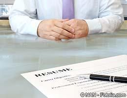 8 Illegal Interview Questions To Avoid #ask #pictures http://questions.nef2.com/8-illegal-interview-questions-to-avoid-ask-pictures/  #ask medical question # 8 illegal interview questions to avoid What to do about illegal interview questions It's common knowledge that future employers can't broach personal topics in job interviews, but the line between acceptable and illegal interview questions is oftentimes fuzzy. The federal government prohibits employers from making hiring decisions on…