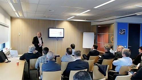 """Foto van de presentatie van afgelopen donderdagavond bij #Ordina met als titel """"Verbeter jouw online #reputatie en daarmee het imago van Ordina"""" -- http://www.reputatiecoaching.nl/"""