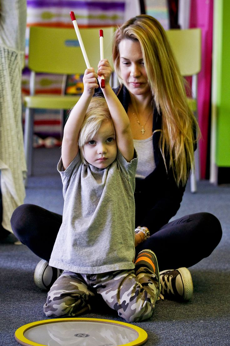 We offer Mommy and me music classes for Babies & Infants, Toddlers, and Kids. A musical adventure exploring imagination, creativity and sense of wonder.
