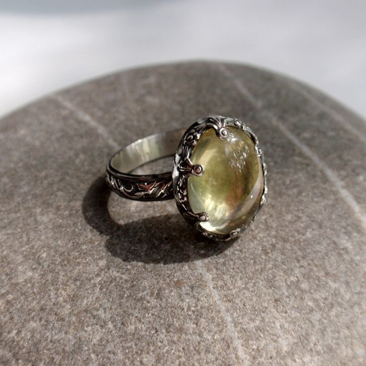 "Кольцо ""Шампань"". Лимонный кварц, серебро - кольцо с кварцем, серебряное кольцо, кольцо с цветами"