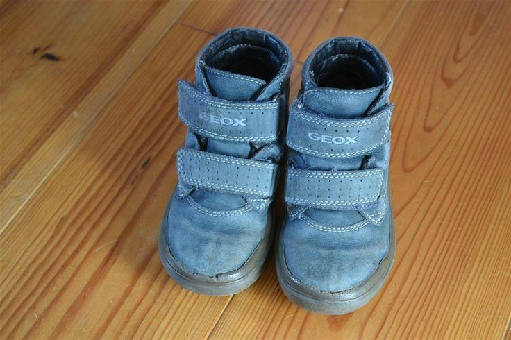 Je donne cette paire de chaussures en cuir bleu à scratchs GEOX - Pointure 26